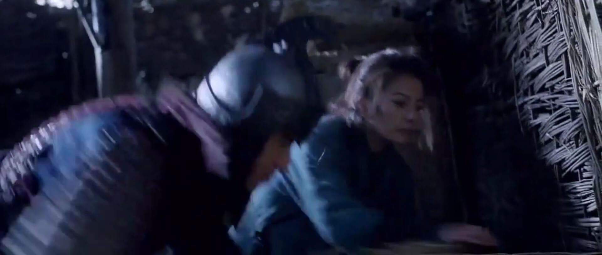 Mulan escapes from prison with the assistance of Wentai.